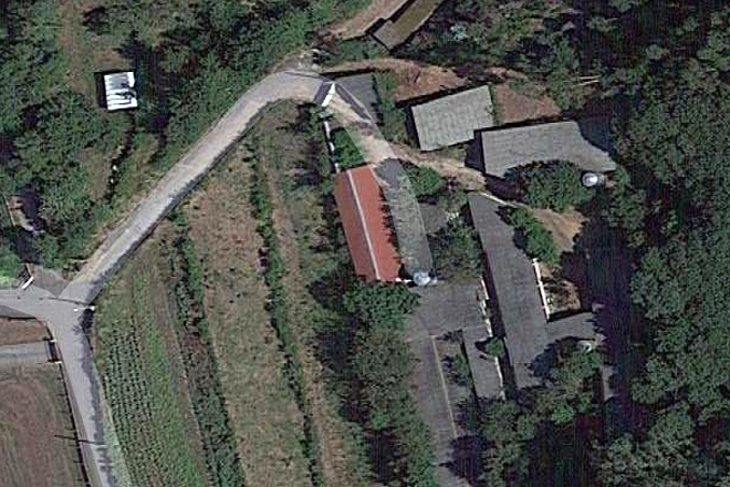 A explotación cunícola atópase en Coaxe, no concello de Catoira