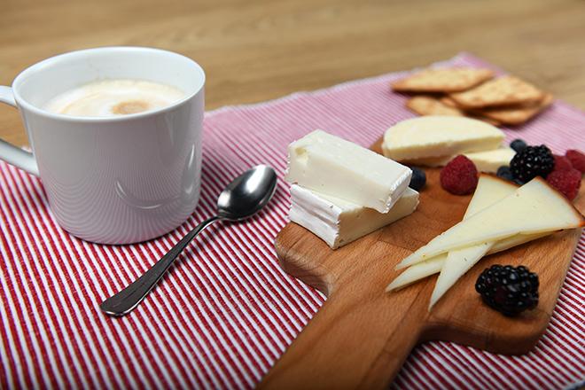Tabla de quesos para desayunar